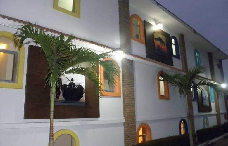 VF Hotel - General - 1
