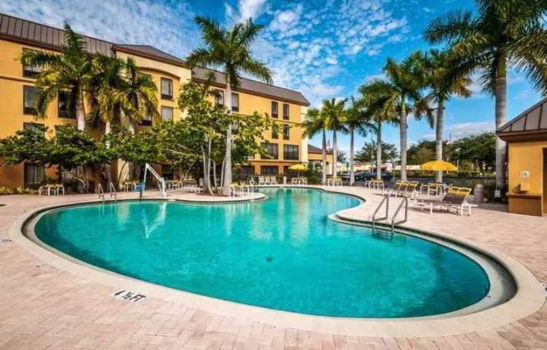 Hampton Inn St. Petersburg - Hotel - 8