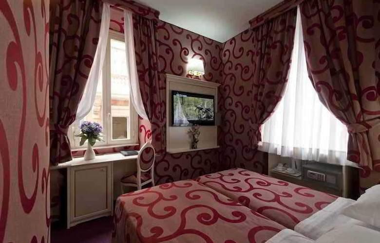 Relais Fontana di Trevi - Room - 3