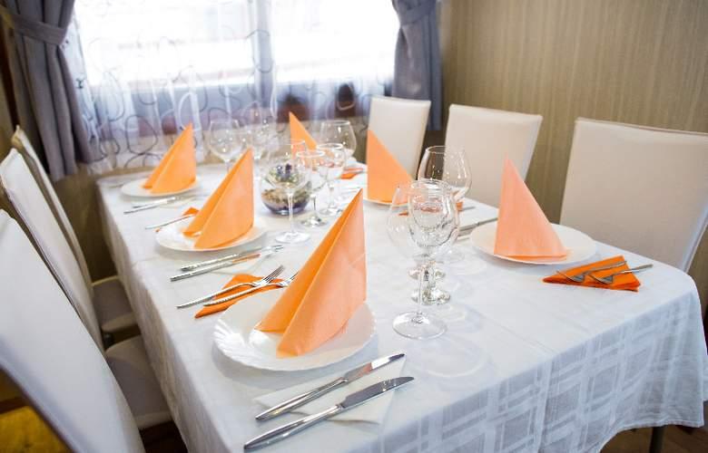 Cruise from Dubrovnik on M/S Leonardo - Restaurant - 7