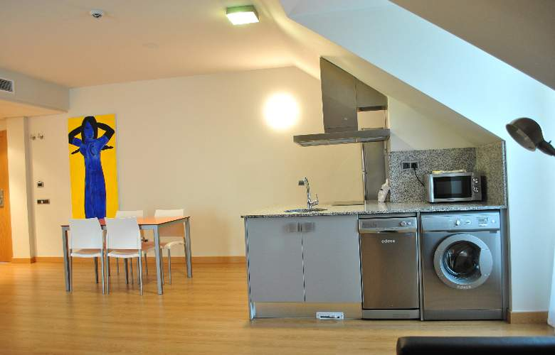 Maritimo Ris Apartamentos - Room - 9