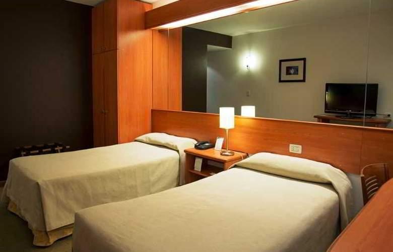 Tower &  Inn Suites - Room - 15