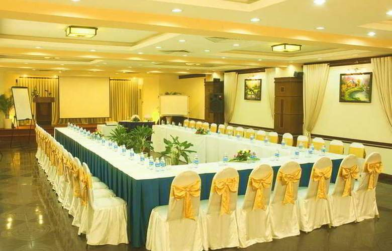 Thanh Binh 2 - Conference - 3
