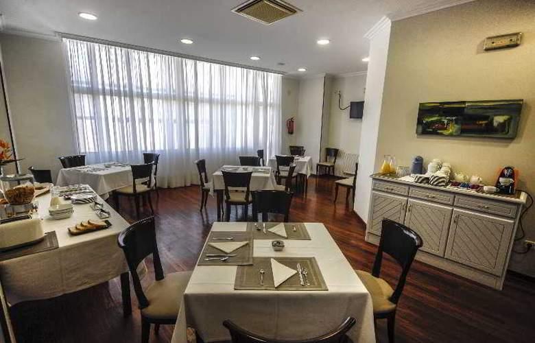 Vigo Plaza - Restaurant - 15