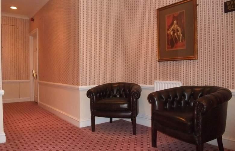 Ramada Crawley Gatwick - Room - 15