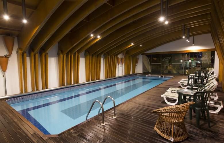Ponta Delgada - Pool - 14
