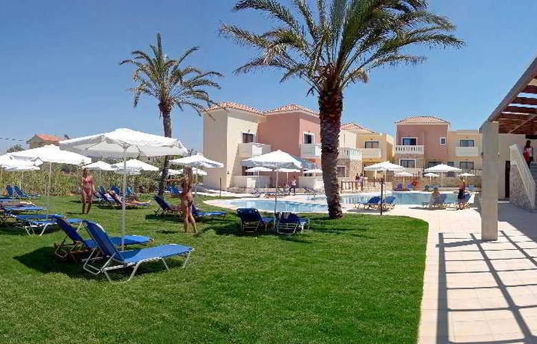 Adelais Hotel - Terrace - 2