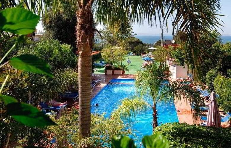 Comfort Hotel Gardenia Sorrento Coast - Pool - 5