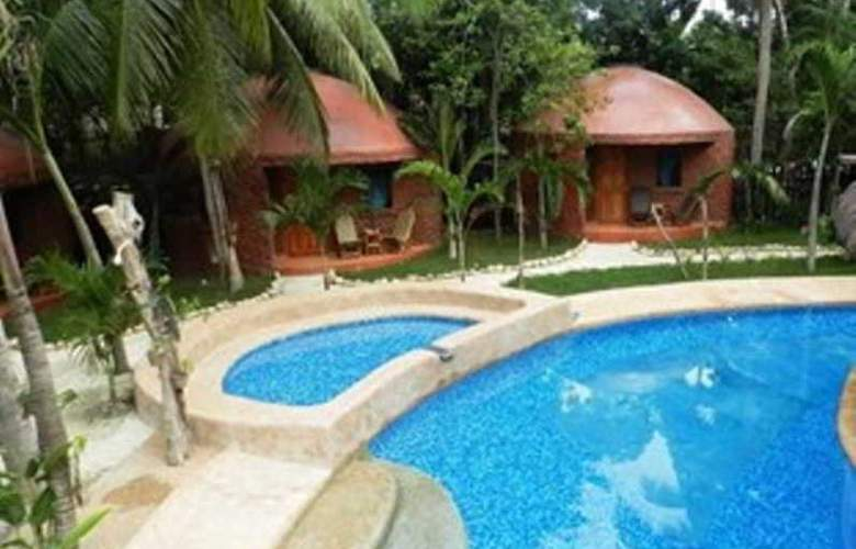 Panglao Chocolate Hills Resort - Pool - 11