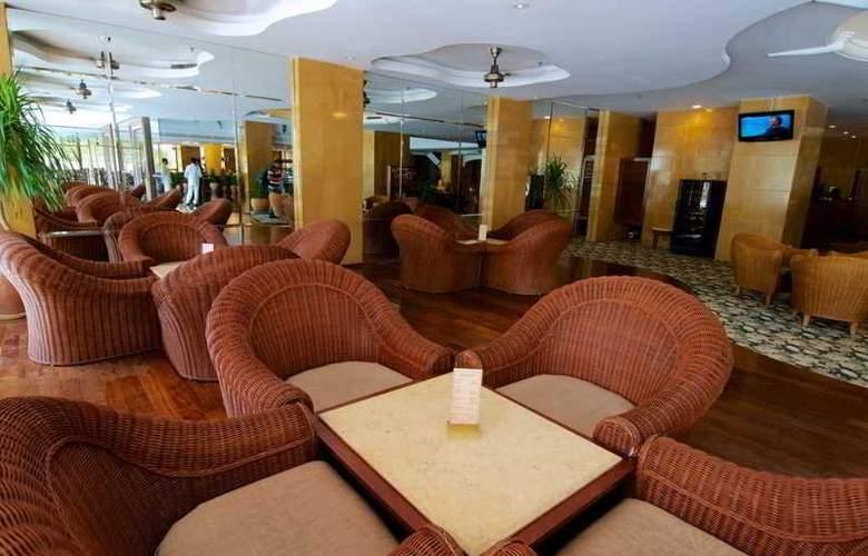 Northam All Suites, Penang - Bar - 4