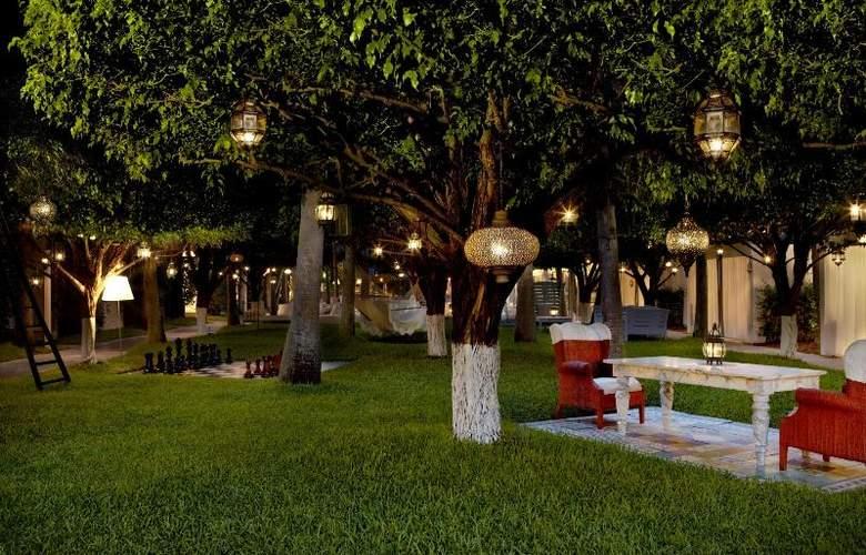 Delano South Beach - Terrace - 7