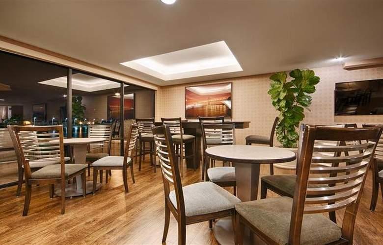 Best Western Plus Bayside Hotel - Restaurant - 39