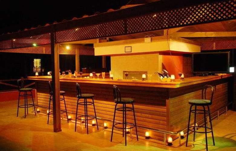 Hakan Minel Resort - Bar - 8