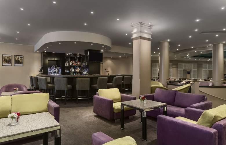 Hilton Amsterdam Airport Schiphol - Bar - 4