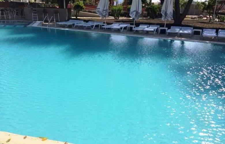 Grand Emir Hotel & SPA - Pool - 14