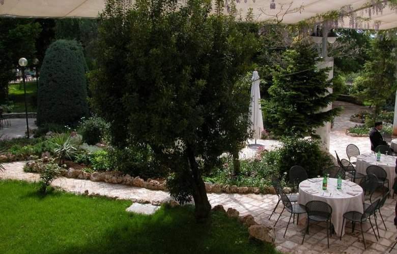 Grand Hotel La Chiusa Di Chietri - Terrace - 7
