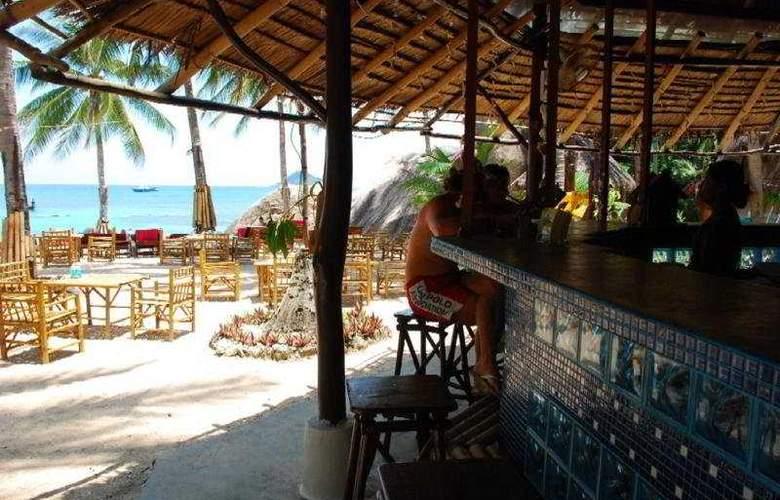 Charm Churee Villa Rustic Resort & Spa - Bar - 4