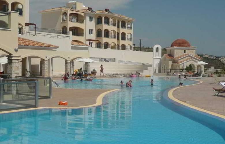 Club St George Resort - Pool - 26