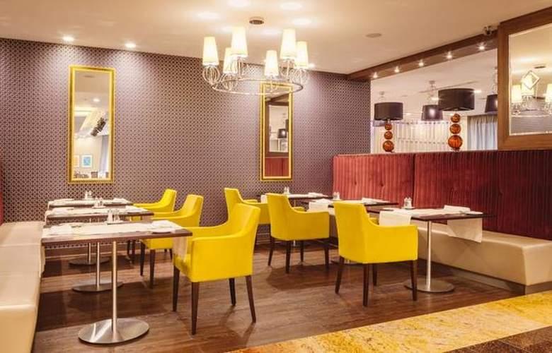 DoubleTree by Hilton Tyumen - Restaurant - 18