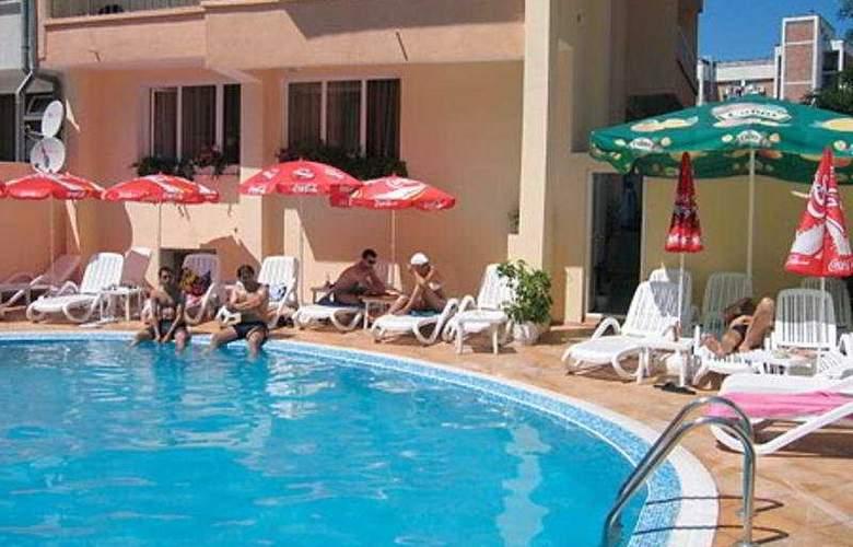 Italia - Pool - 8