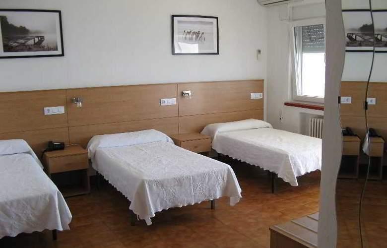 Patricia Hotel - Room - 8