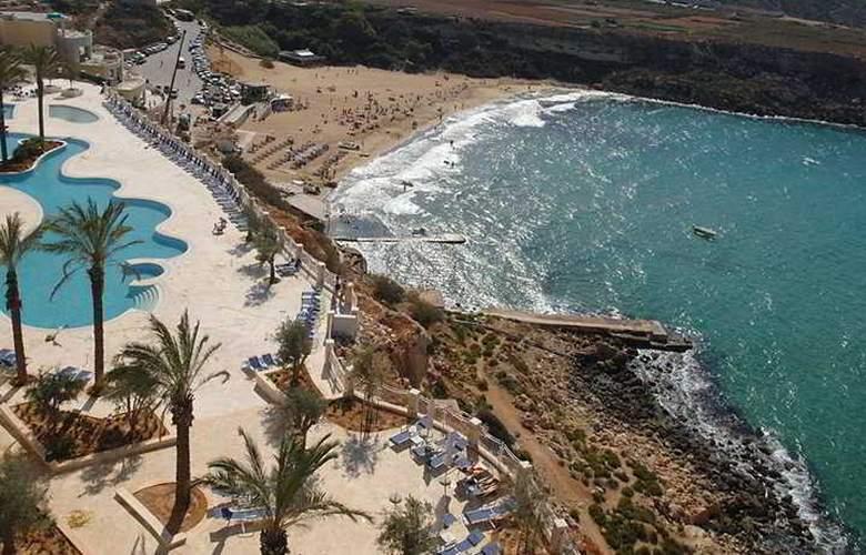 Radisson Blu Golden Sands Resort - Beach - 9