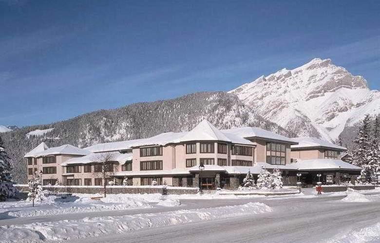 Banff International Hotel - Hotel - 0