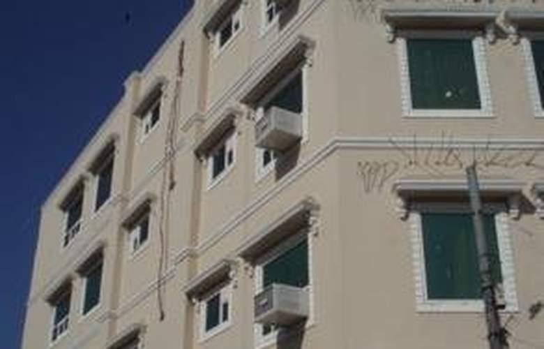 Raunak Plaza - Hotel - 0