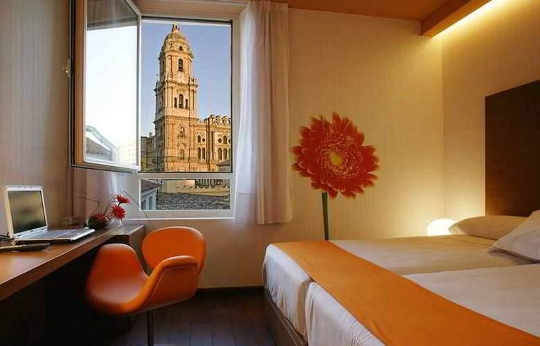Petit Palace Plaza Málaga - Room - 2