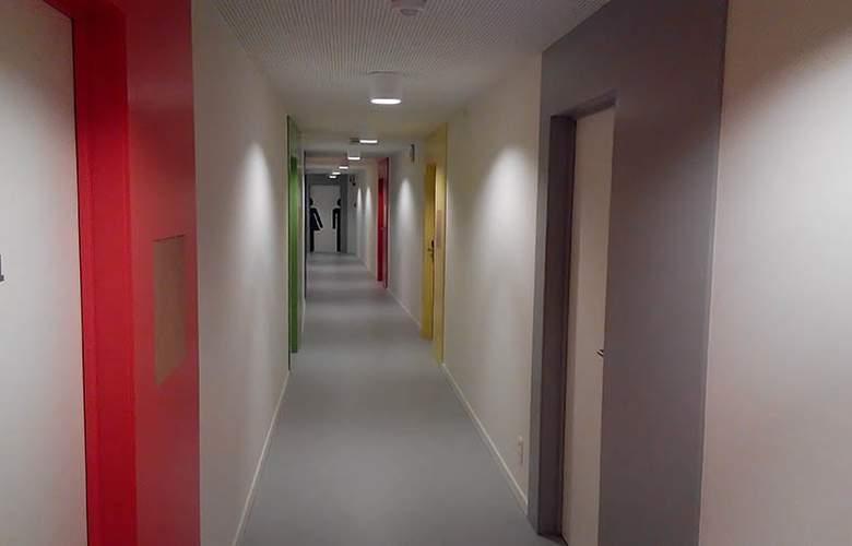 HOTEL SNUFFEL BACKPACKER HOSTEL - General - 1
