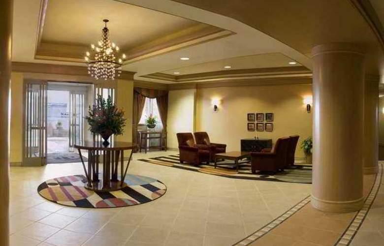 Hilton San Diego Airport / Harbor Island - Hotel - 15
