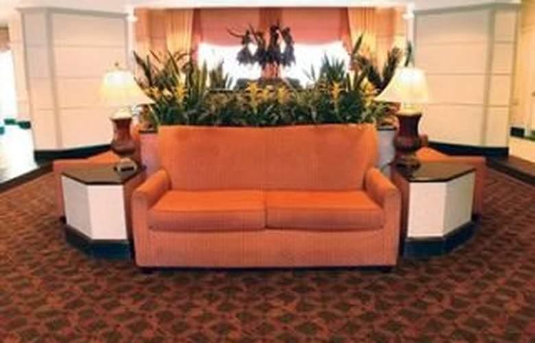 La Quinta Inn & Suites San Antonio Convention Cntr - General - 2