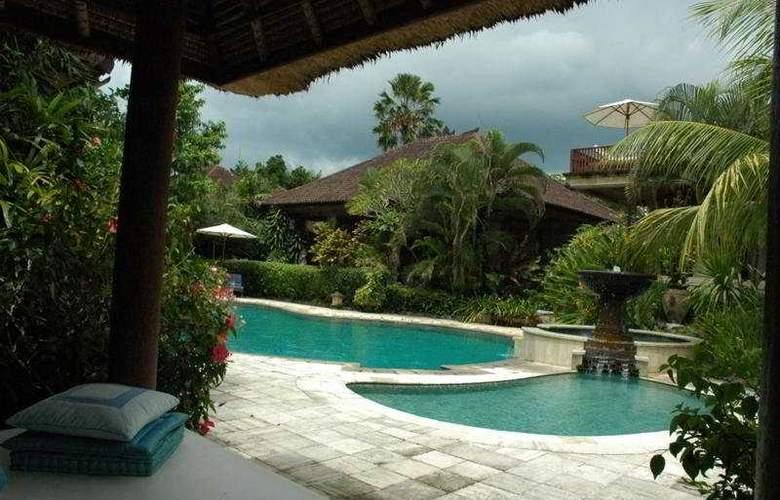 XL Vision Villas - Pool - 9