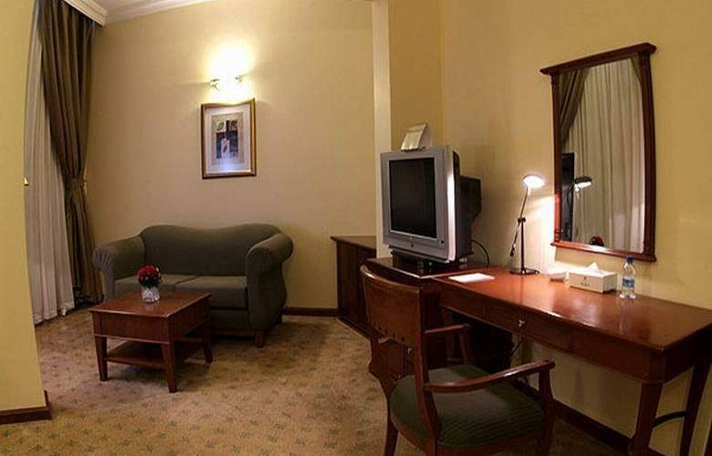 Royal Qatar - Room - 8