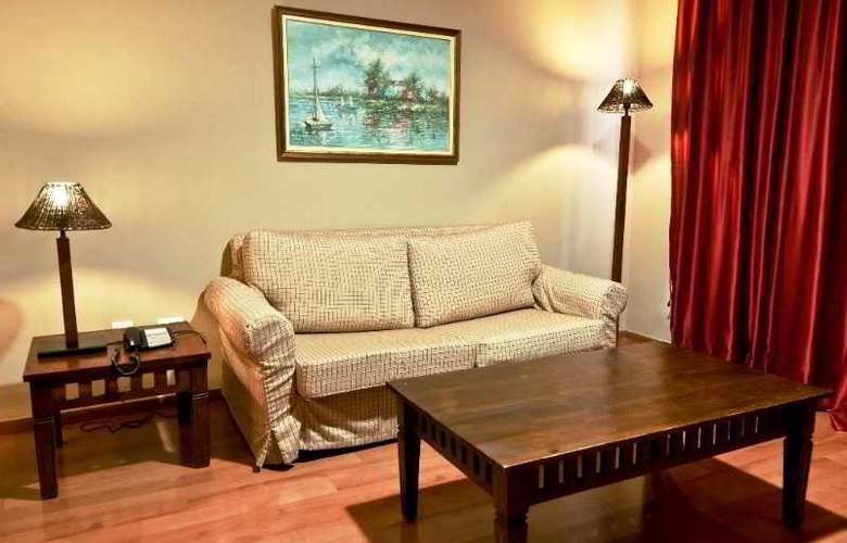 La Quinta Park Suites - Room - 9