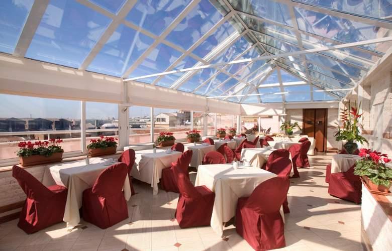 Exe Domus Aurea - Restaurant - 7