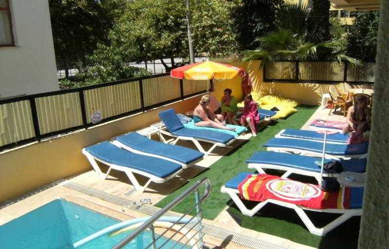 Senaydin Apartments - Pool - 5