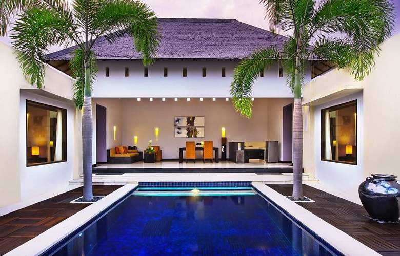 The Seminyak Suite - Pool - 11