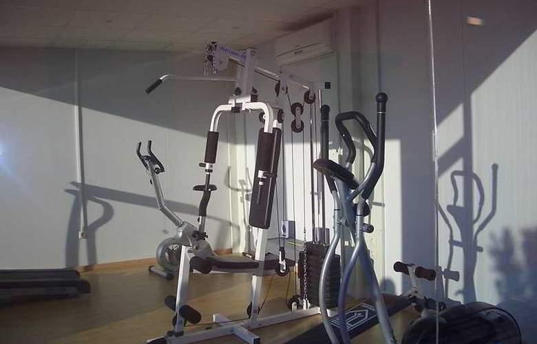Eco Alcala Suites - Sport - 1
