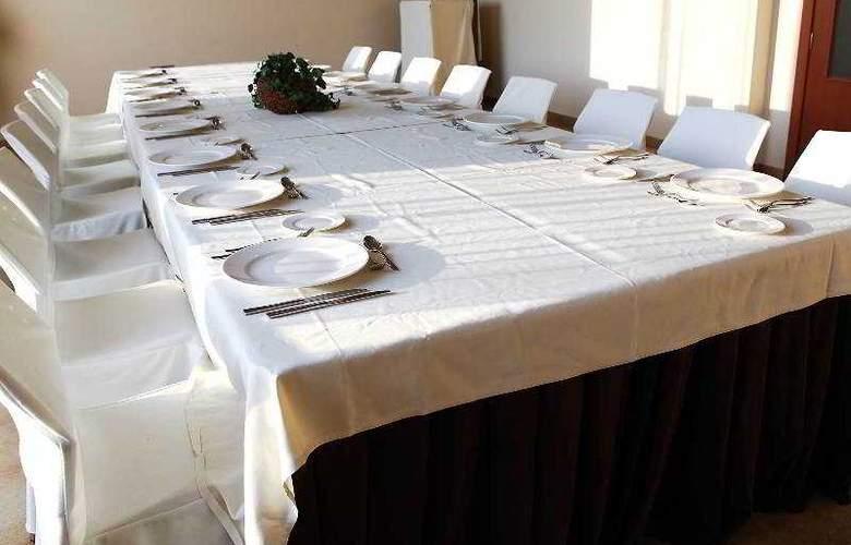 Balneario de Rocallaura - Restaurant - 17