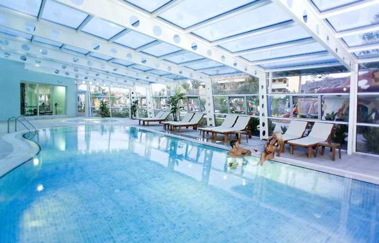 Lilyum Hotel - Pool - 2