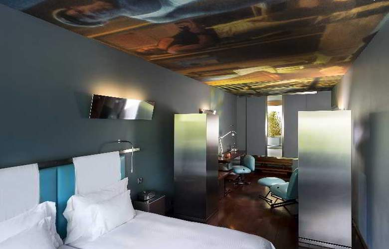 The Hotel - Room - 11