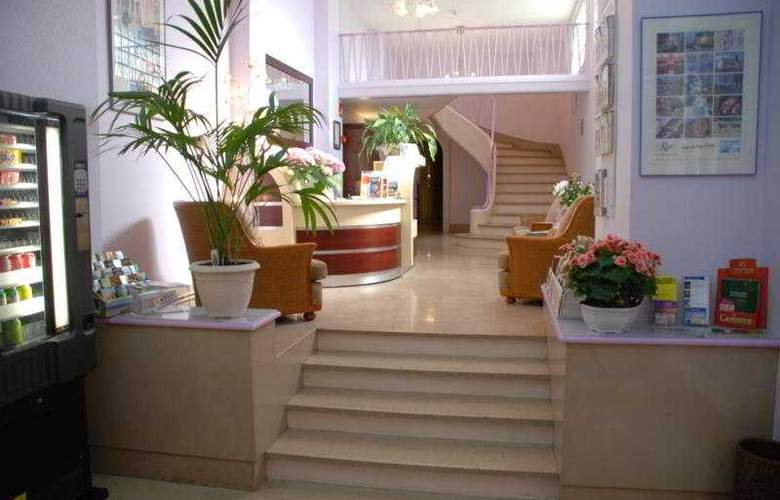 Comfort Hotel Cathedrale  - General - 1