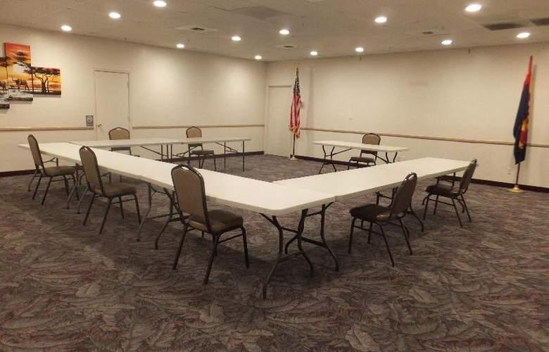 Quality Inn & Suites Lake Havasu City - Conference - 10