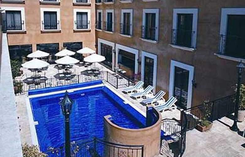 Holiday inn Express Oaxaca Centro Historico - Pool - 1