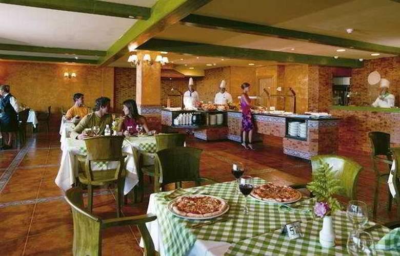 Papagayo Beach Resort Sandos - Restaurant - 7