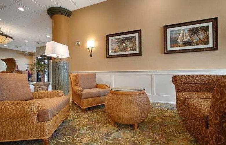 Best Western Plus Orlando Gateway Hotel - Hotel - 38