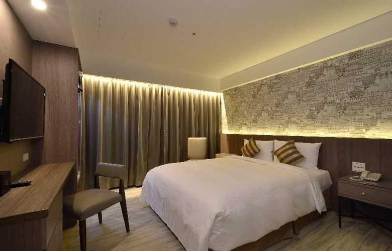 Regal Executive Suites - Room - 8