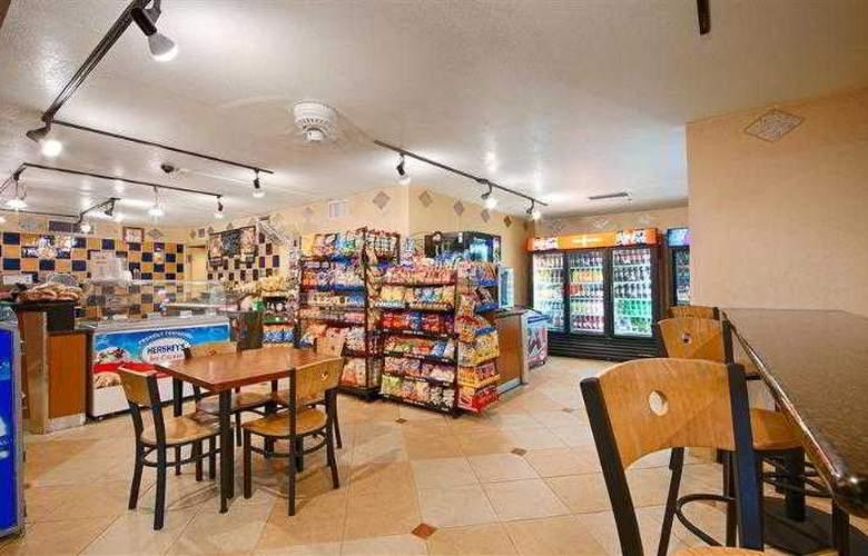 Best Western Plus Orlando Gateway Hotel - Hotel - 43