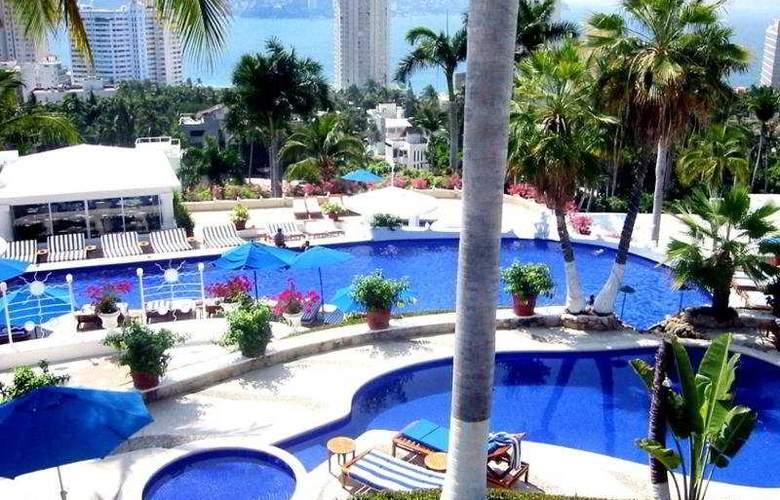 Villavera & Raquet Club - Pool - 4